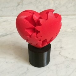 Free STL file Geared Heart, Motorized Edition, Version 2, gzumwalt