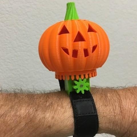 c7e42067e00b6d6ffd31566702f7e27f_preview_featured.JPG Download free STL file Lighted Motorized Halloween Pumpkin Bracelet • Object to 3D print, gzumwalt