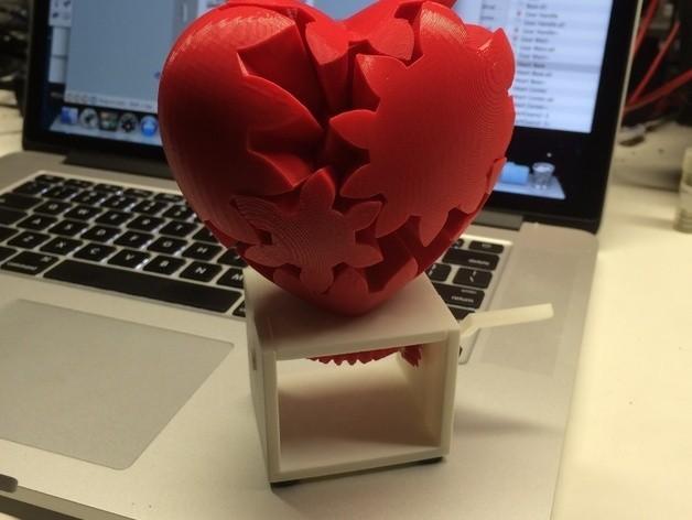 photo_preview_featured-6.jpg Télécharger fichier STL gratuit Coeur à engrenages, édition manivelle à main • Design pour impression 3D, gzumwalt