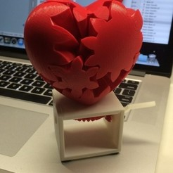 Free 3d print files Geared Heart, Hand Crank Edition, gzumwalt