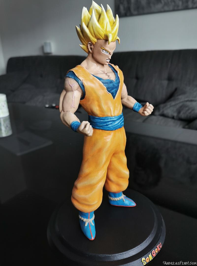 SonGoku_SSJ2_Painted_3Dprint2.jpg Télécharger fichier STL Son Goku (Super Saiyan 2) • Objet pour imprimante 3D, Andreasfendt