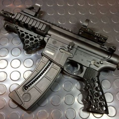 5d547bf1b4787abe1a8ffa42cff86b3f_preview_featured.jpg Download free STL file Airsoft Grip • 3D printing model, ekynops