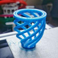 photo5929291589119748250.jpg Télécharger fichier STL gratuit Vase de calibrage - Test de cordes, de surplombs et de ponts • Plan imprimable en 3D, sotenck