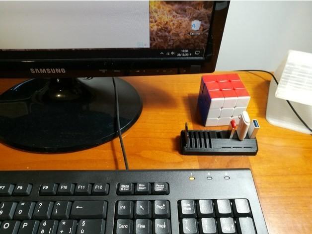 d6889a94200fbed3586c1f5c72eee7b2_preview_featured.jpg Télécharger fichier STL gratuit Support de microSD USB-SD-MicroSD • Modèle à imprimer en 3D, Alessandro_Palma