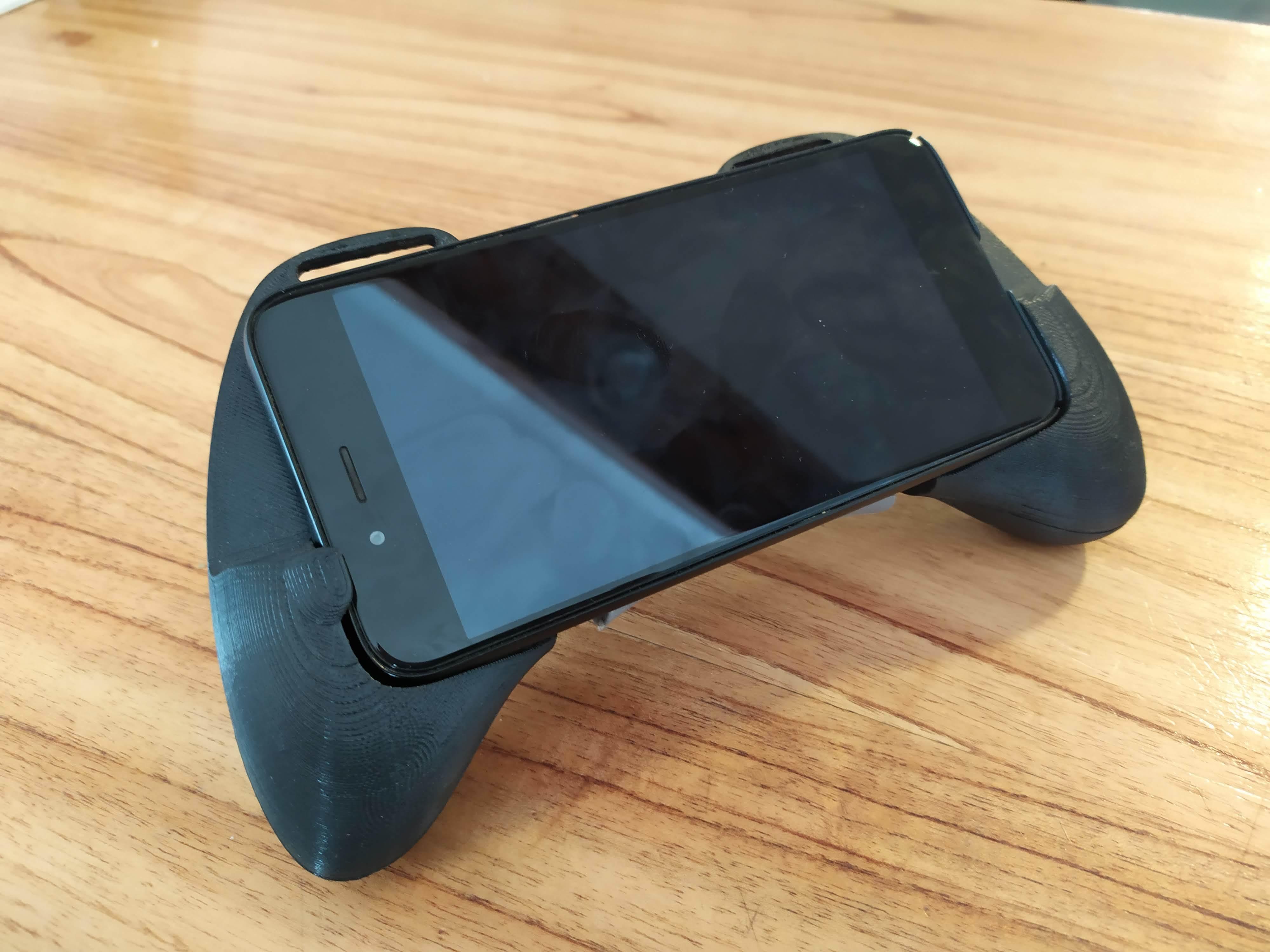 IMG_20191121_170217.jpg Download STL file Gaming Grip for Smartphones • 3D printing template, SOLIDMaker3D