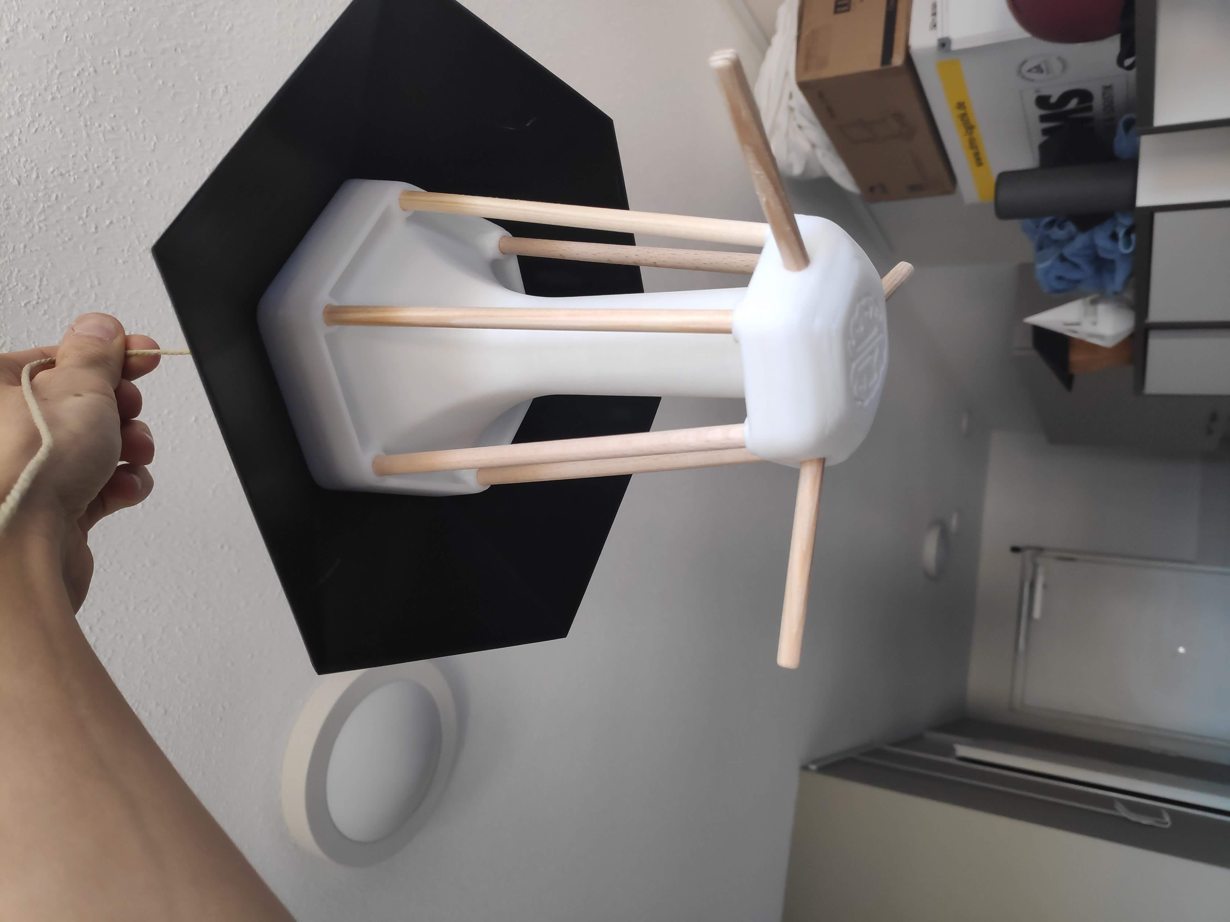 IMG_20190920_183406.jpg Télécharger fichier STL gratuit Nourriture pour oiseaux • Modèle à imprimer en 3D, MakerMind