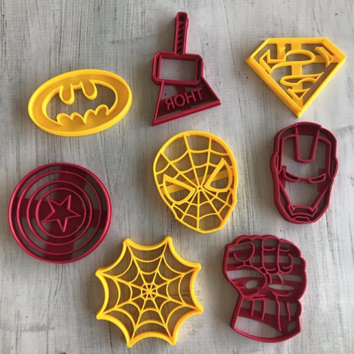 Captura de Pantalla 2020-02-24 a la(s) 14.54.05.png Download free STL file SUPER CUTTING HEROES, SUPERHERO COOKIE CUTTER • 3D printable template, memy_ironmaiden