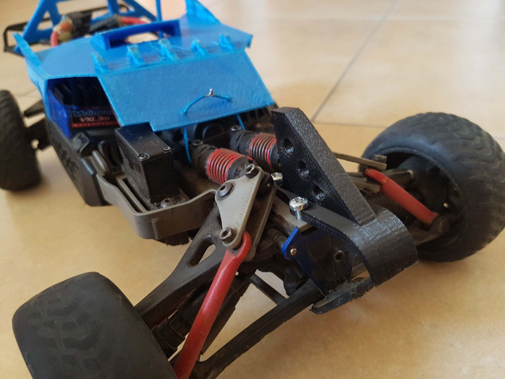 20200407_172043_copy_2016x1512.jpg Download free STL file Traxxas 1/16 Chassis Mod • 3D printable design, Gophy
