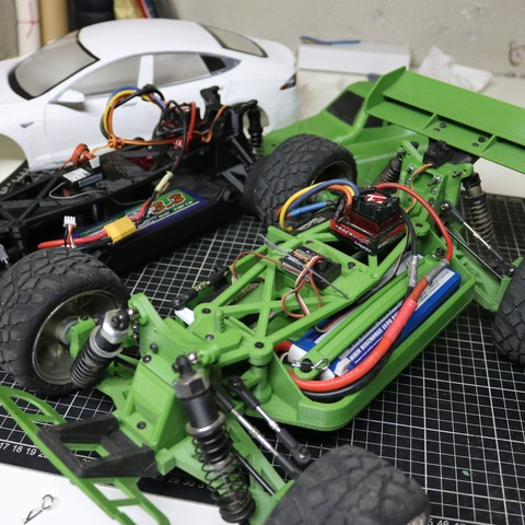 IMG_5062.JPG Download STL file MyRCCar 1/10 OBTS Chassis Updated. Customizable chassis for On-Road, Buggy, Truggy or SCT RC Car • 3D printer design, dlb5