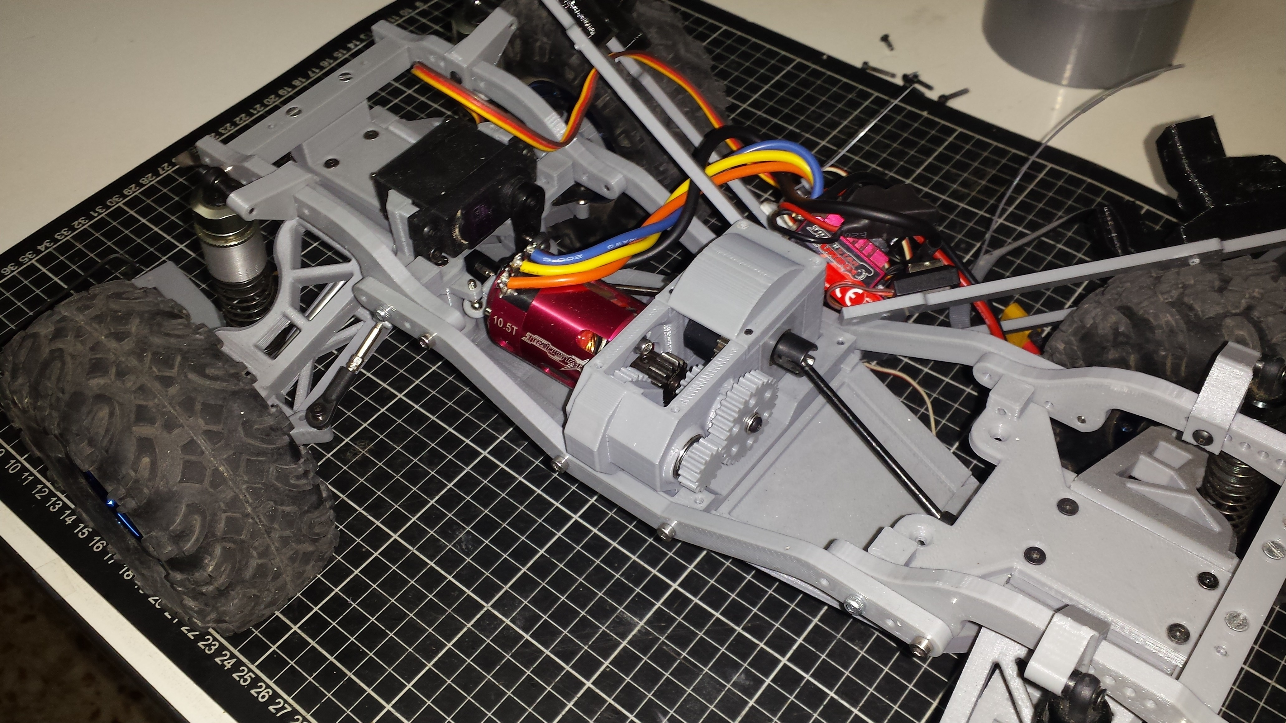 20180606_173634.jpg Download STL file MyRCCar 1/10 MTC Chassis Updated. Customizable chassis for Monster Truck, Crawler or Scale RC Car • 3D printer model, dlb5