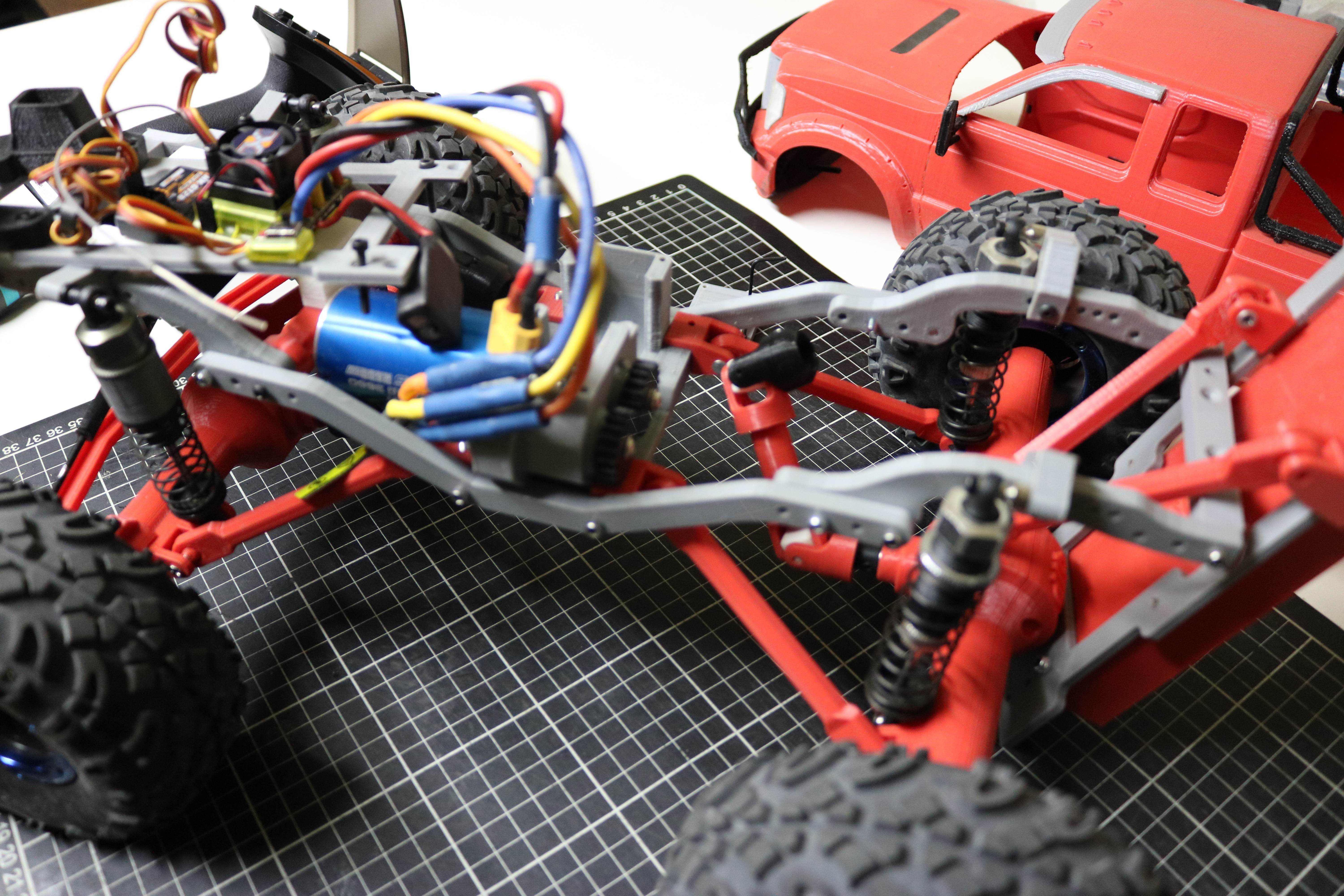 IMG_4950.JPG Download STL file MyRCCar 1/10 MTC Chassis Updated. Customizable chassis for Monster Truck, Crawler or Scale RC Car • 3D printer model, dlb5