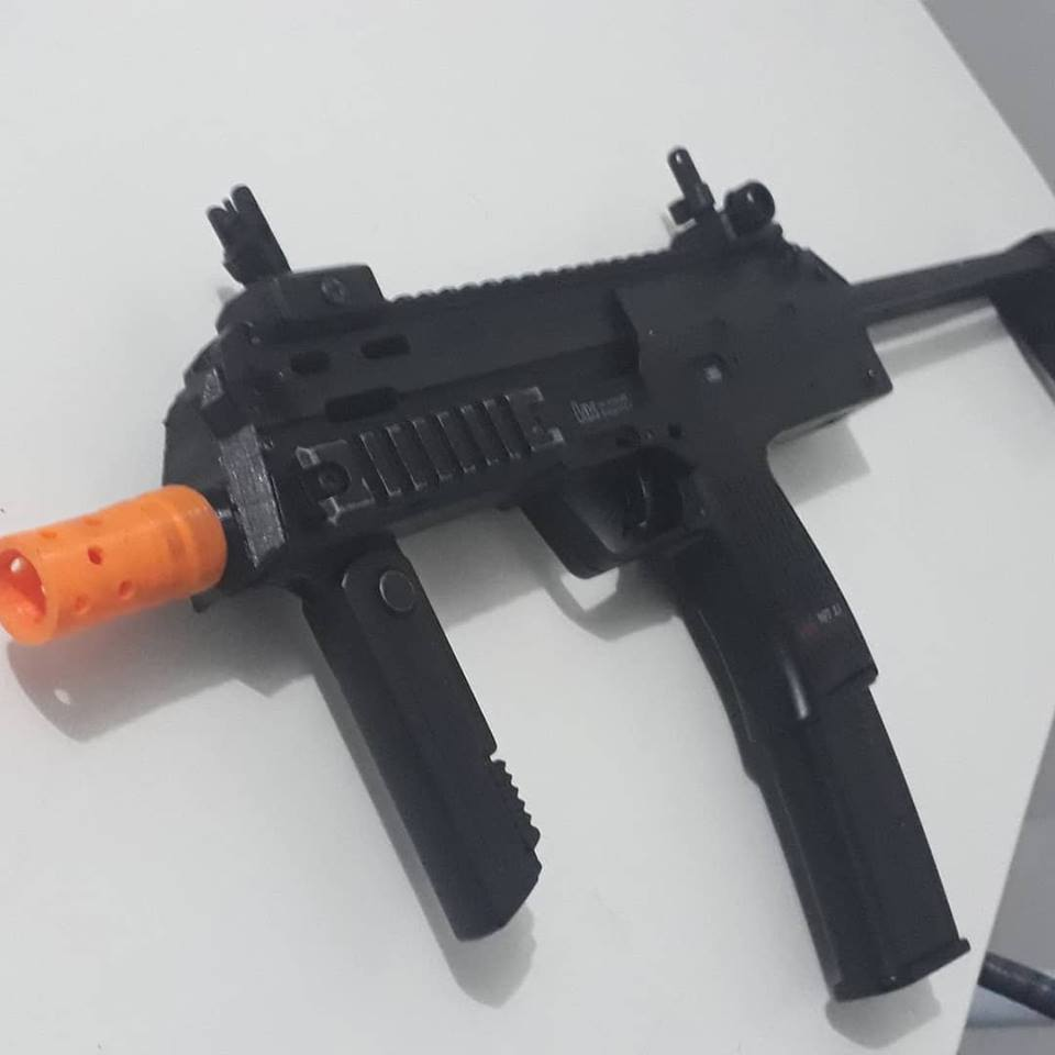 36700086_10217207565892332_5542947580897394688_n.jpg Download STL file mp7 front end • Model to 3D print, gungriffonbr