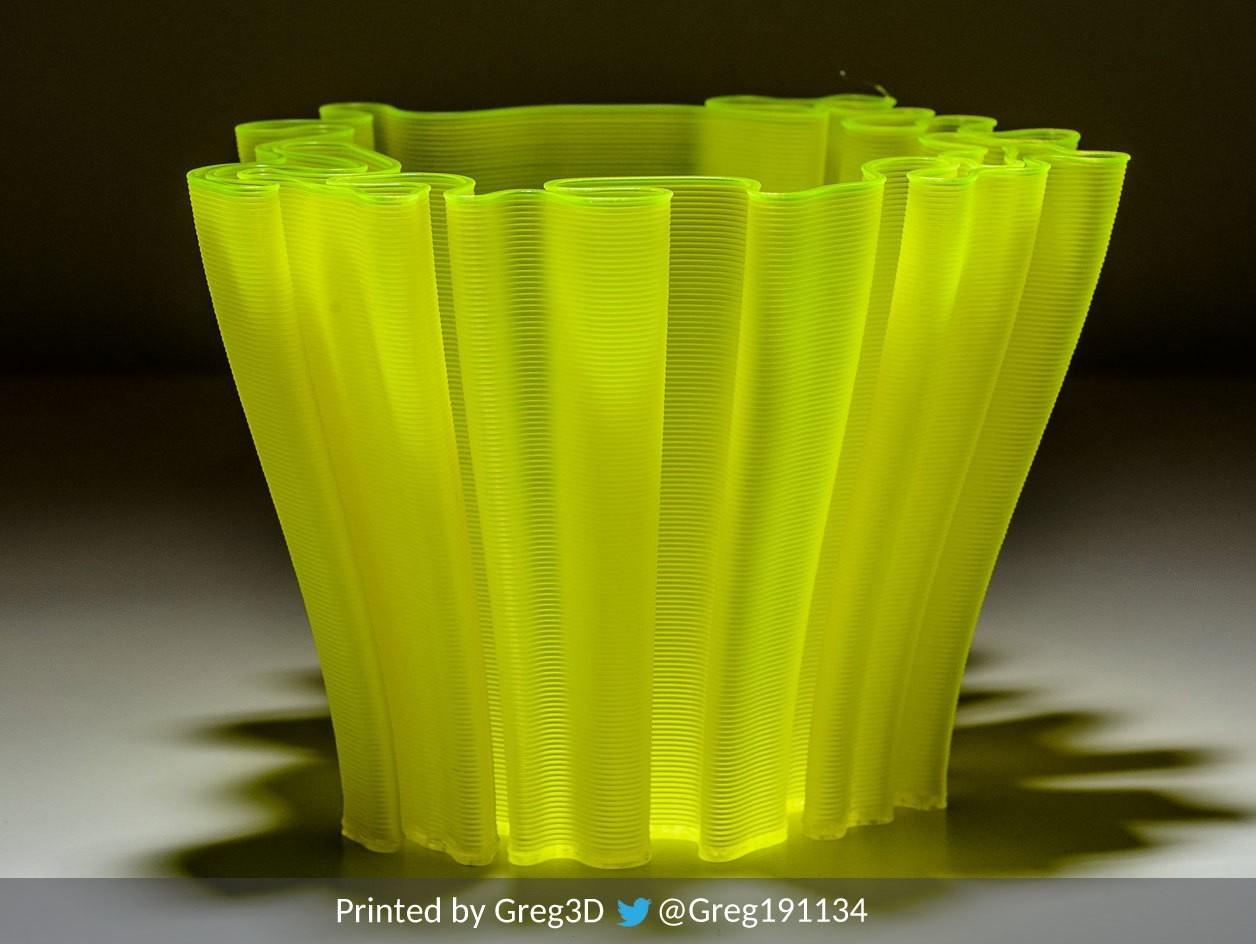 4.jpg Download free STL file Wavy Penholders Collection (15 files) • 3D print design, ferjerez3d