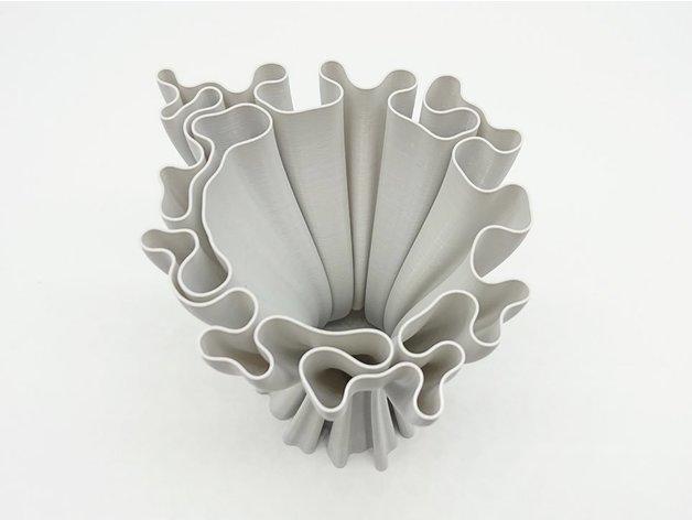 f6bff34664bc02dda9f1f7f0fc388505_preview_featured.jpg Download free STL file Wavy vase • 3D printer design, ferjerez3d