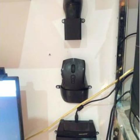Download free 3D printer model ps4 Venom x controller holder, mariospeed