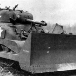M4-Sherman-medium-tank-equipped-with-bulldozer-blade-circa-1944.jpg Télécharger fichier STL gratuit 1-100 Sherman M4-A1.  Kit de complément pour lame de bulldozer M1 • Design imprimable en 3D, drholdsworth