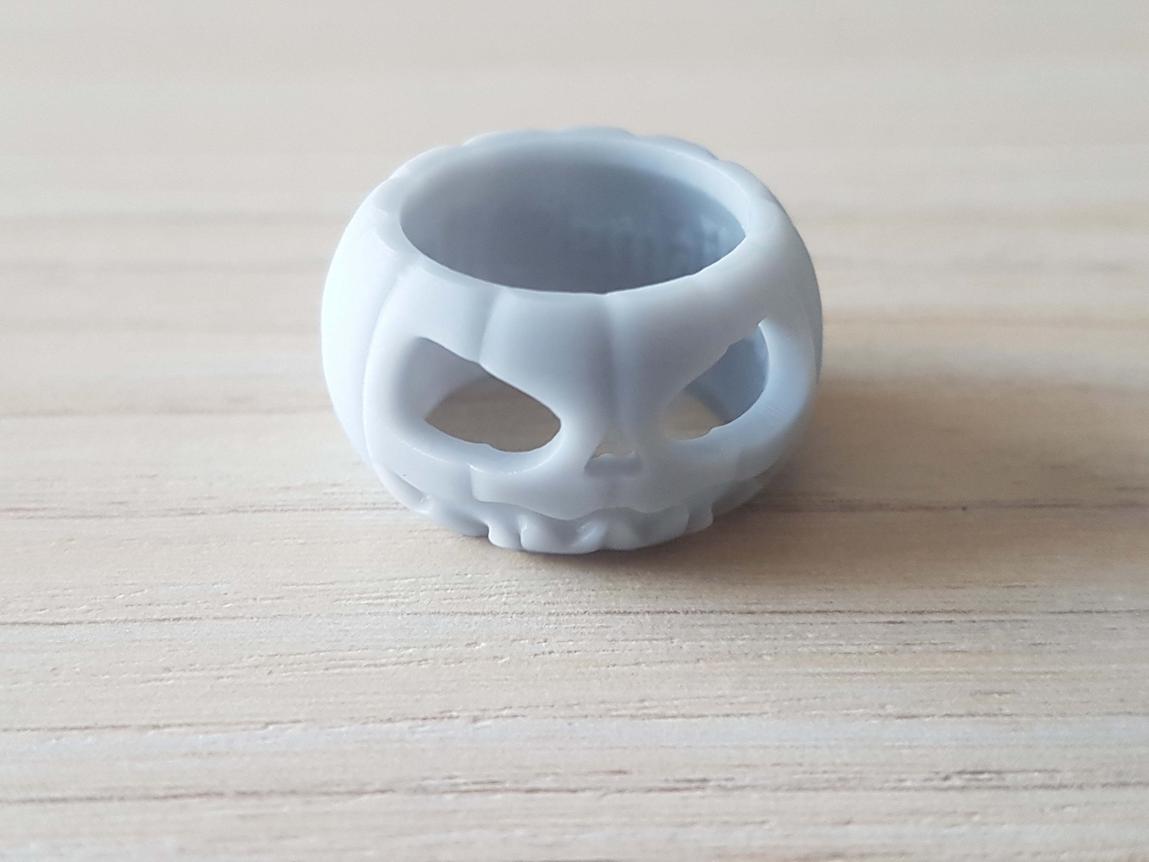 20200430_173854.jpg Télécharger fichier STL gratuit Anneau d'Halloween 1 • Modèle à imprimer en 3D, poorveshmistry