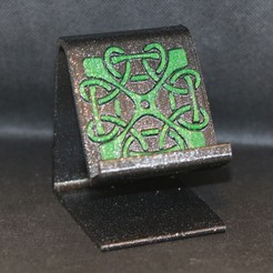 Celtic square in green pic .jpg Download STL file Celtic square knot phone stand • 3D printer model, M3DPrint