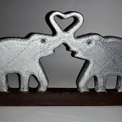 Free 3D printer designs Elephant heart stand, M3DPrint