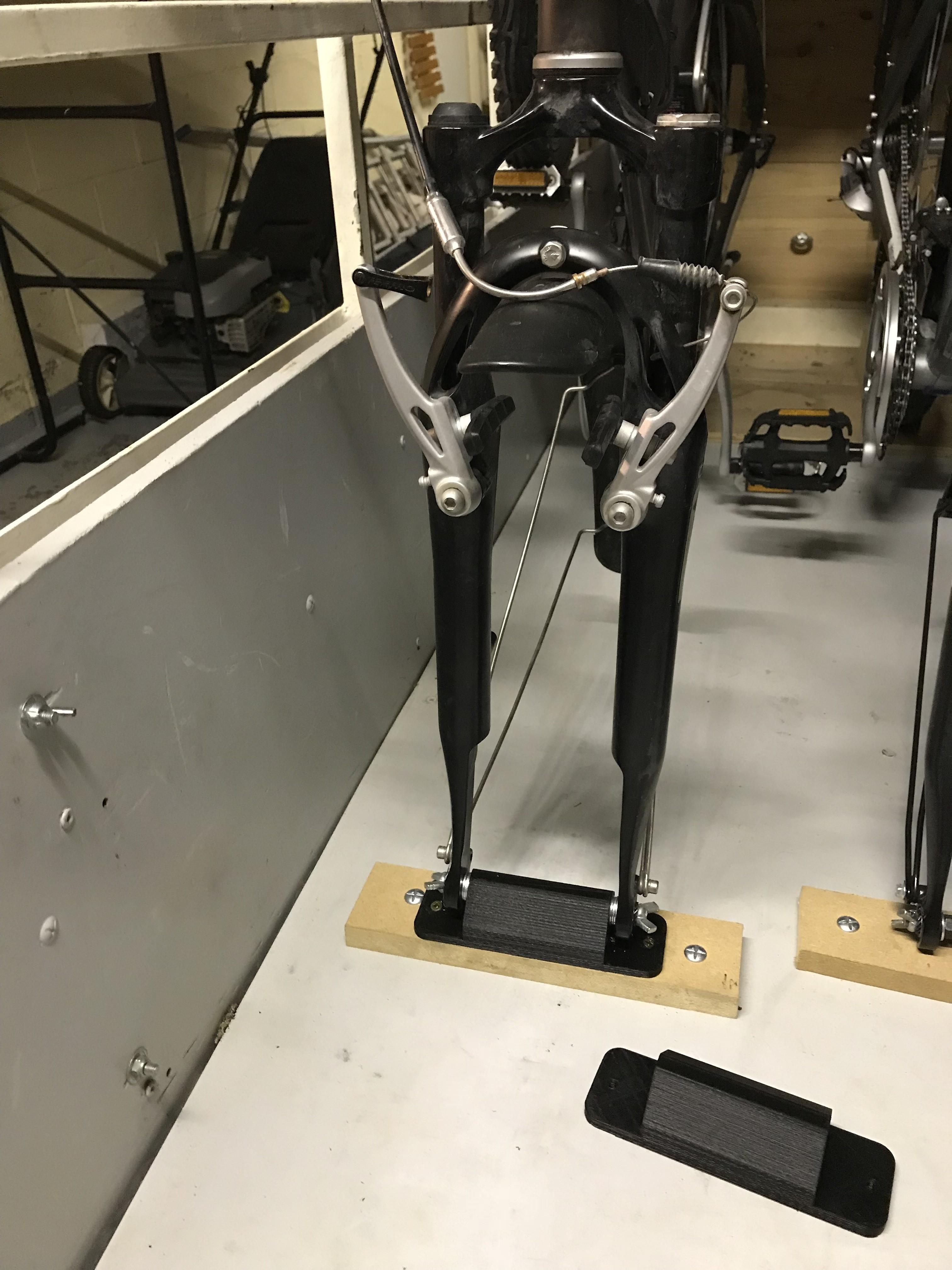 IMG_3679.JPG Download free STL file bicycle fork support for transport in trailer • 3D printer object, denisguillou