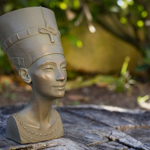Free 3D printer files Nefertiti: Stylized, Polysculpt