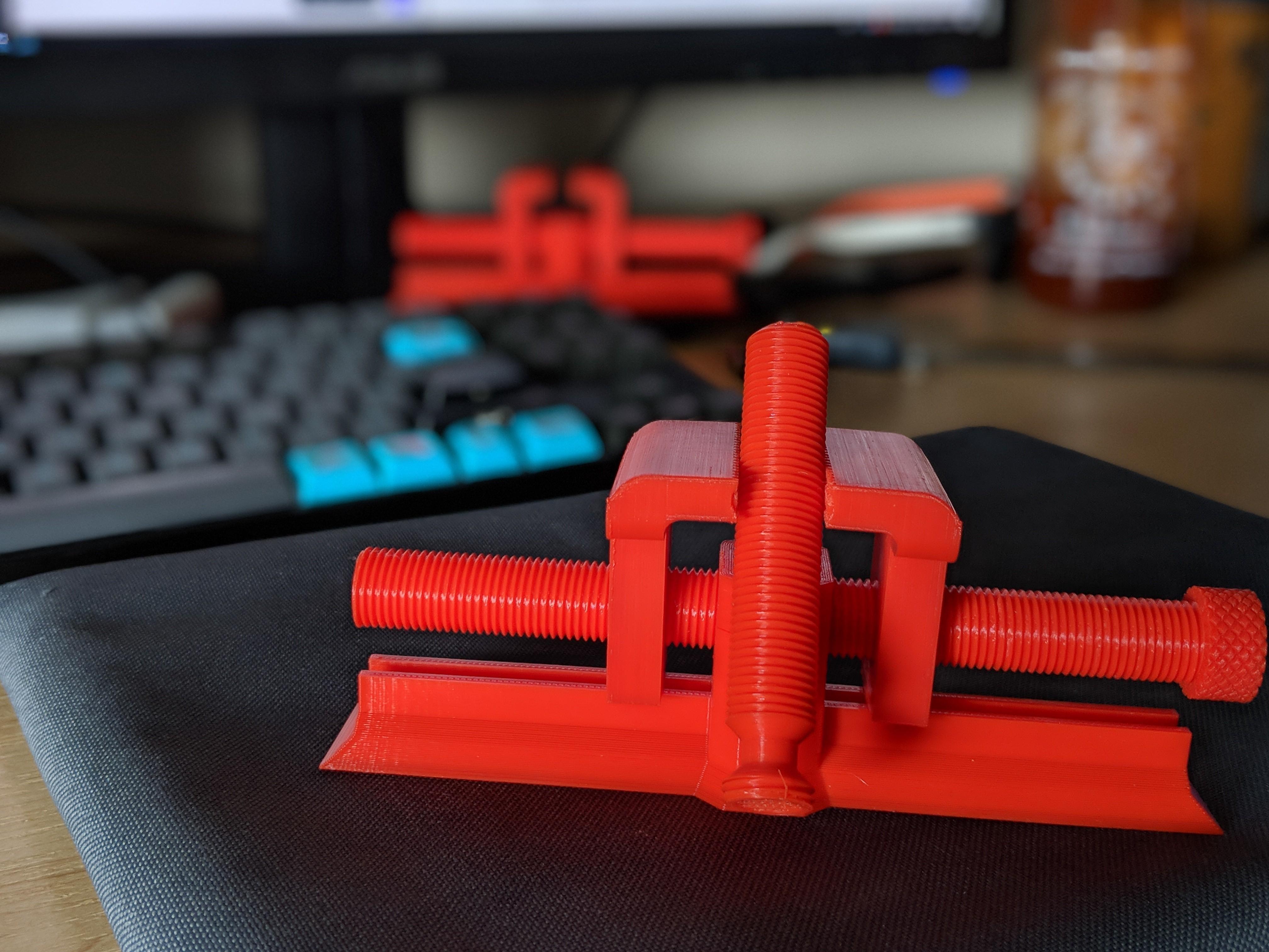 modelPreview.jpg Télécharger fichier STL gratuit Oldie Vice • Design pour impression 3D, AnsonB