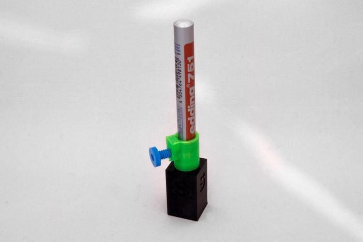 Depth_adjustment-1-2_display_large.jpg Download free STL file Depth adjustment (for the Silhouette Cameo Pen Holder) • 3D print design, Jakwit