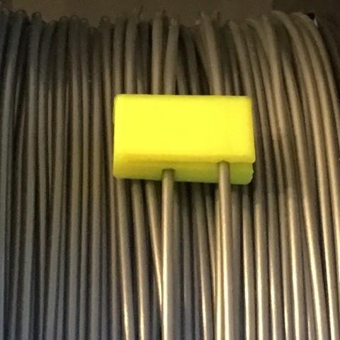 Télécharger plan imprimante 3D gatuit Clip de filament auto-gardant amélioré, Aravon