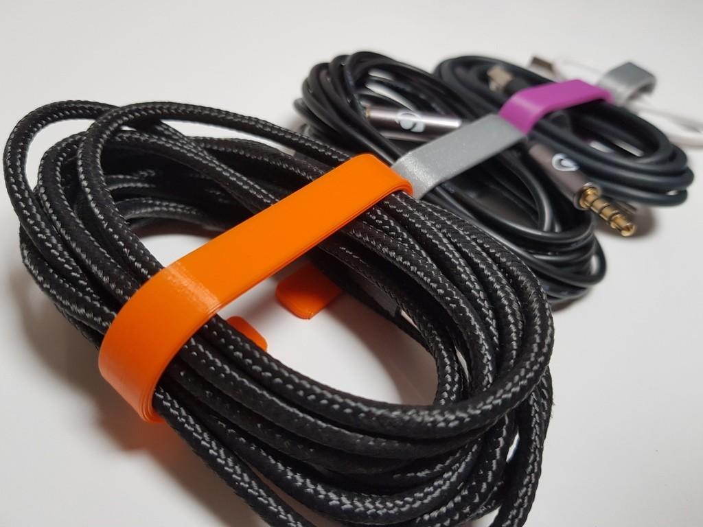 63bce23f2c700e0fa2d3a14895292be1_display_large.jpg Télécharger fichier STL gratuit Cable Organizer 5 sizes / Range cable 5 tailles • Modèle pour imprimante 3D, Heliox