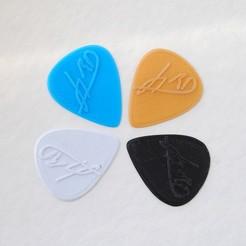 guitarpick.jpg Télécharger fichier STL Plectre de guitare personnalisé • Modèle à imprimer en 3D, iagoroddop