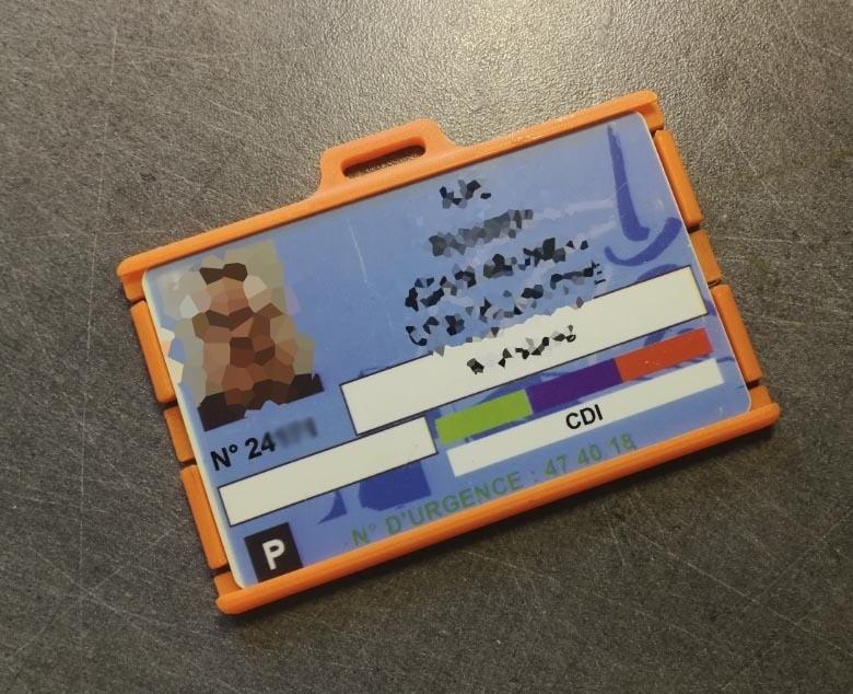 portebadge07.jpg Download STL file Security badge holder for identification cards - Secure Badgeholder for card identification • 3D printable model, jmmprog