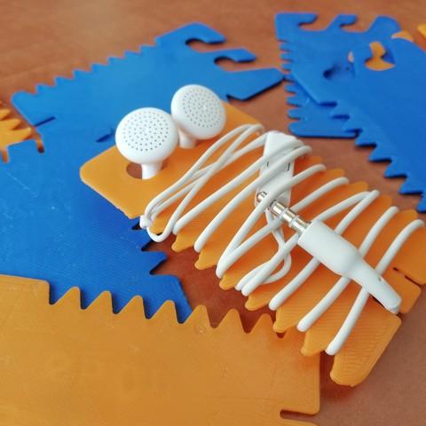 Download free 3D printer designs card earbud holder , YEHIA