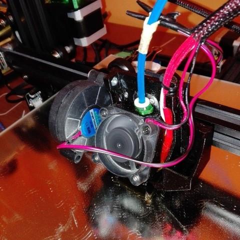 8fe75487ae465b477242d4f5e18b5e54_display_large.jpg Télécharger fichier STL gratuit creality CR-10 ender 2 3 3 40mm Stock Hot End Conduit de refroidissement facile à installer. • Objet à imprimer en 3D, raffosan