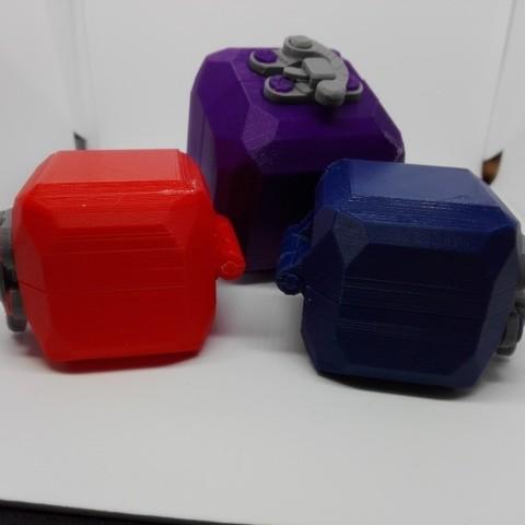 7b71ae6850ecd23f7e59d19db9da5070_display_large.jpg Télécharger fichier STL gratuit boîte cube cube lowpoly ringbox avec moraillon • Design pour impression 3D, raffosan