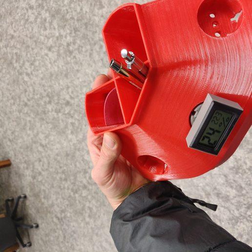 Télécharger fichier impression 3D gratuit support de thermomètre lcd dans la prise murale EU., Fricis