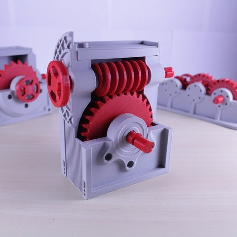 Free stl Industrial Worm Gearbox / Gear Reducer (Cutaway version), LarsRb