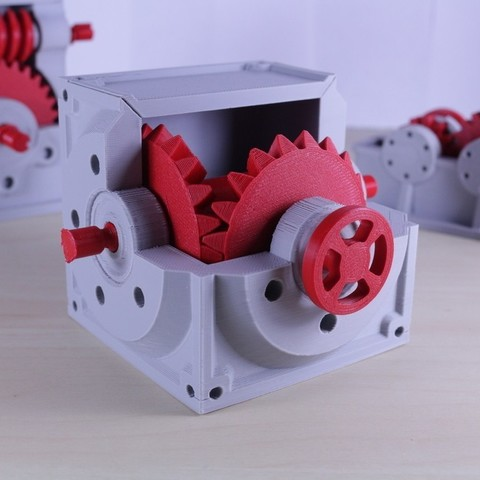 Download free 3D printing templates Industrial Bevel Gearbox / Gear Reducer (Cutaway version), LarsRb