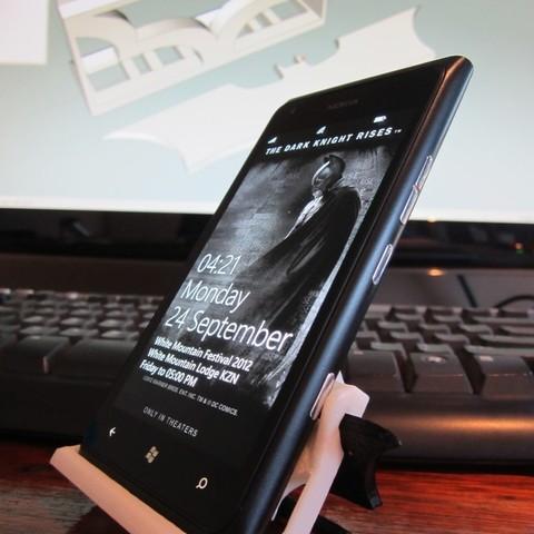 IMG_2158_display_large.jpg Télécharger fichier STL gratuit Nokia Lumia 900 Batman stand Nokia Lumia 900 • Modèle à imprimer en 3D, roguemat