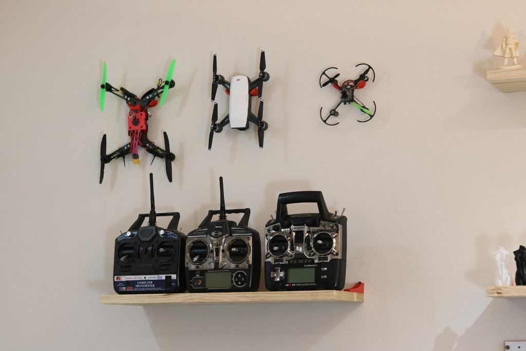 5397527ad9725ce1100b0f477ad14c54_display_large.JPG Download free STL file Generic Quadcopter Wall Hook • 3D printer design, roguemat