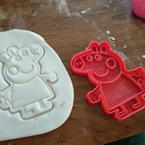 Download 3D printing templates Peppa Pig Cutting Cookie, latienditadebudin