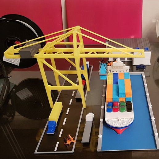Untitled-2 copy.jpg Download STL file Container Port scale model ( maquette ) • Model to 3D print, 3dprintlines