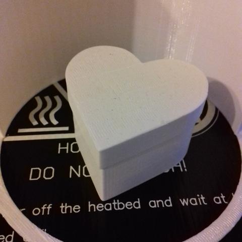 box-heart-s-001-photo-1.png Download free STL file Heart Shaped Box - Small • 3D printing template, GadgetPrint