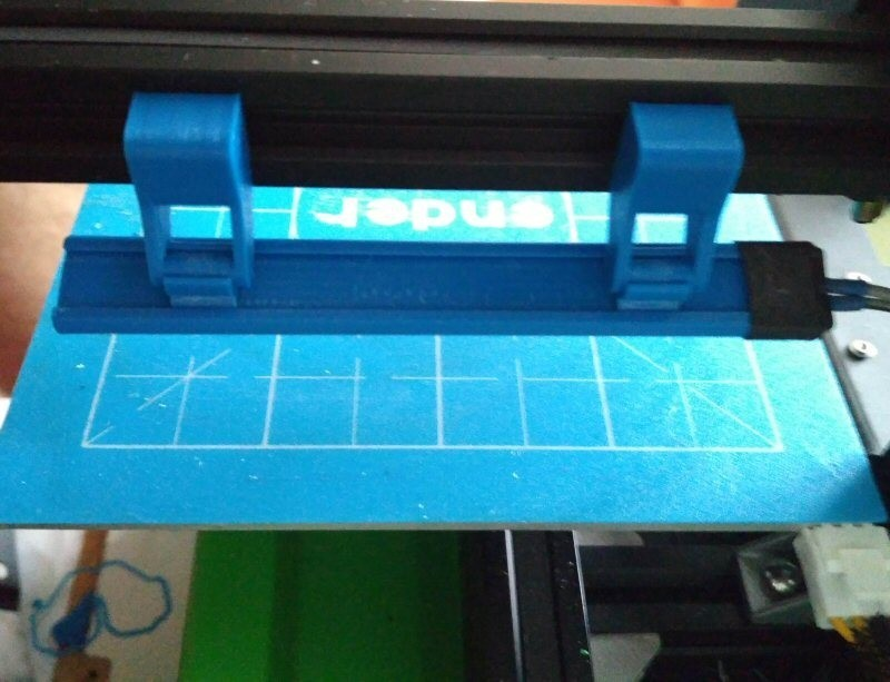 8.jpg Download free STL file Printer bed lighting - V-slot 2020 click-mount (Ender-2, CR-10)  • Template to 3D print, tomast