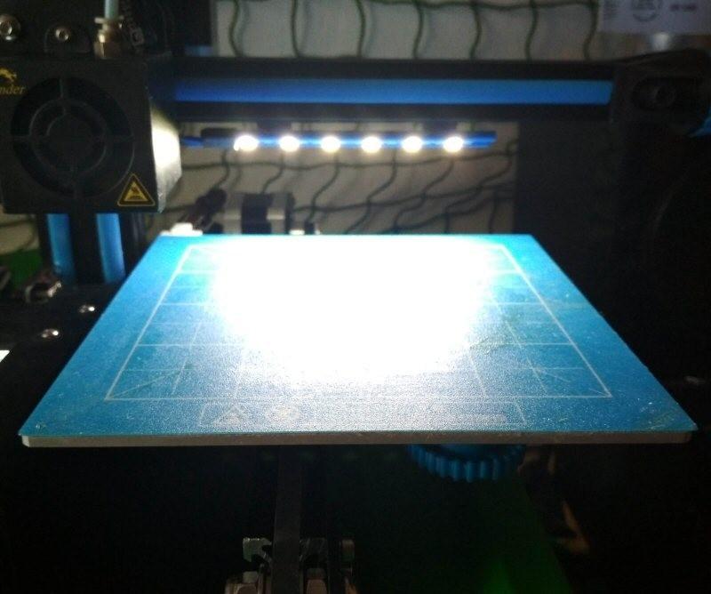 11.jpg Download free STL file Printer bed lighting - V-slot 2020 click-mount (Ender-2, CR-10)  • Template to 3D print, tomast