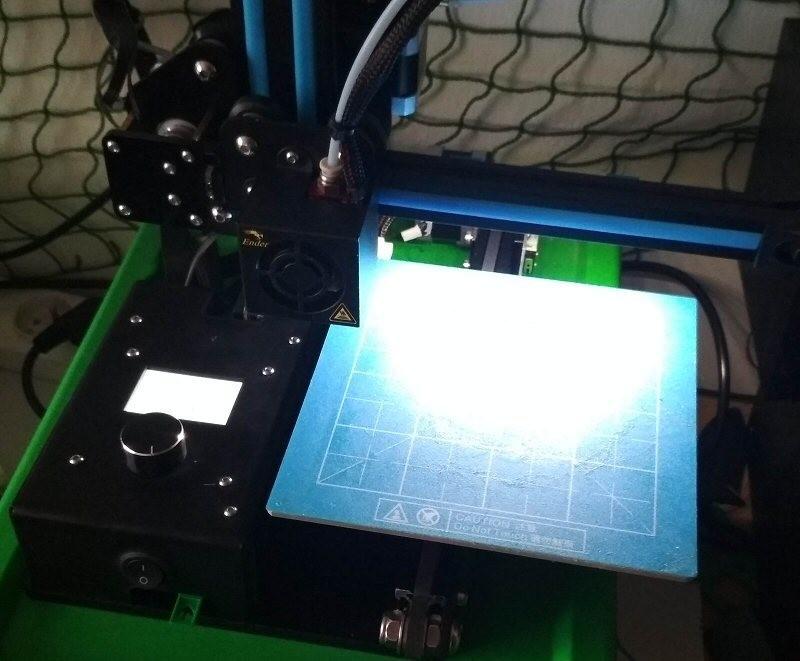 10.jpg Download free STL file Printer bed lighting - V-slot 2020 click-mount (Ender-2, CR-10)  • Template to 3D print, tomast