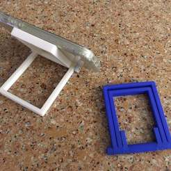 IMG_2655.JPG Download STL file foldable tripod 4 smartphones & tablets • 3D printable design, pigetout