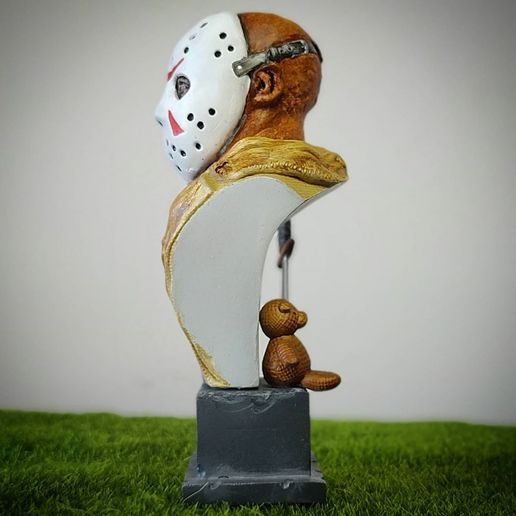 live3dprintspt_124011229_2791413827845766_3384829031553900726_n.jpg Download STL file Jason Voorhees: Bust for 3D printing • 3D printable model, AntonioPugliese