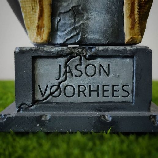 live3dprintspt_124184137_4942205505797390_4406430695898067235_n.jpg Download STL file Jason Voorhees: Bust for 3D printing • 3D printable model, AntonioPugliese