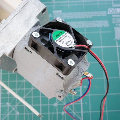 Télécharger fichier impression 3D gratuit Moteur à engrenage Felfil Evo (diamètre 36mm x longueur 60mm) chemise de refroidissement, glassy