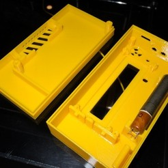 Free 3D printer designs Enclosure for SMD-based geiger counter with si29bg by impexeris, glassy